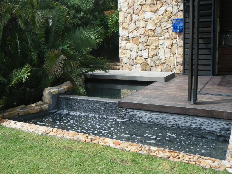 Rimflow pond with cladding - Hout bay